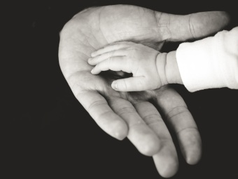 hand-black-and-white-love-finger-child-human-695951-pxhere.com
